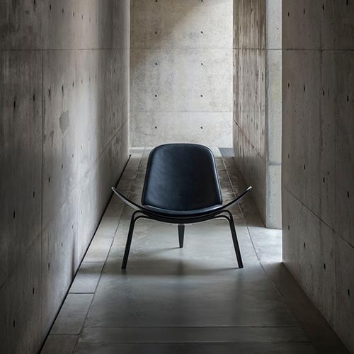 CH07 loungechair Carl Hansen interior