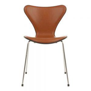 sjuan-3107-stol-framsideskladd-kampanj-fritz-hansen-severins